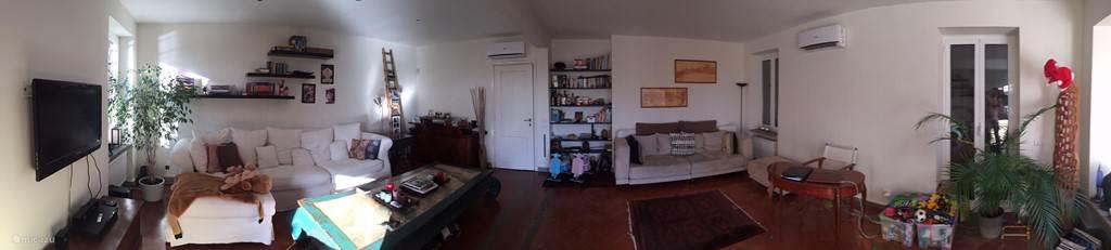 Ruime woonkamer