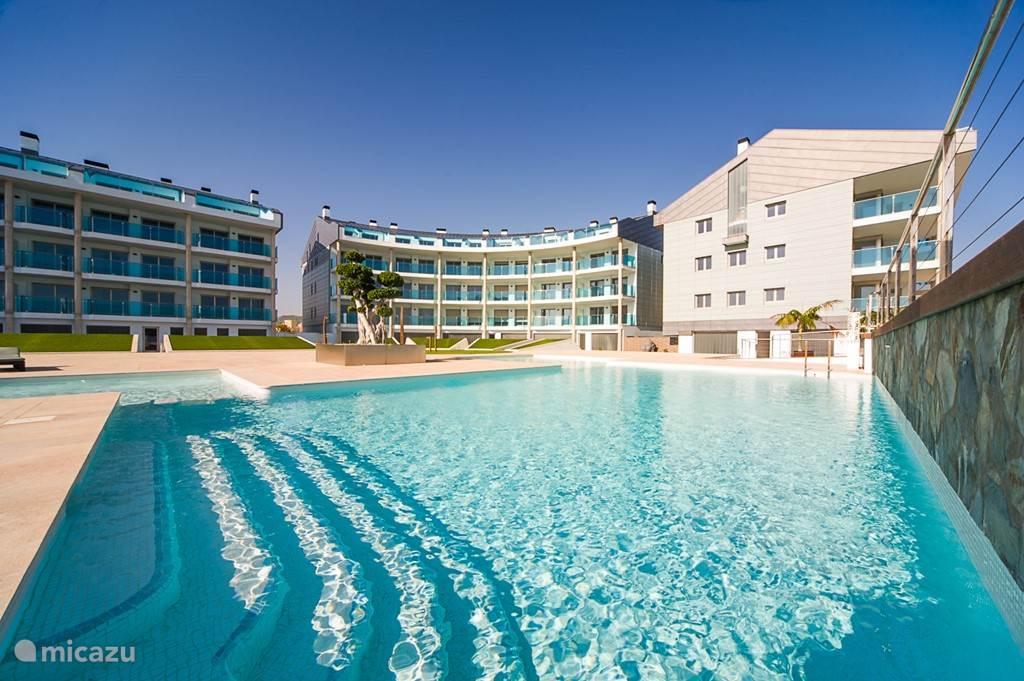 Heerlijke verfrissende zwembaden, exclusief voor bewoners en gasten van het complex Salacia.