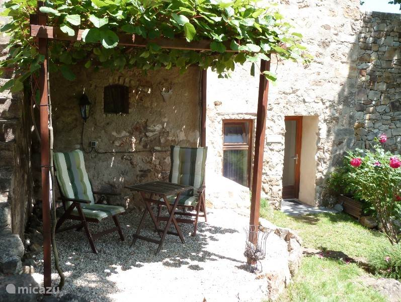Vacation rental France, Languedoc-Roussillon, Robiac-Rochessadoule  gîte / cottage Mas Bernadis, Allegre