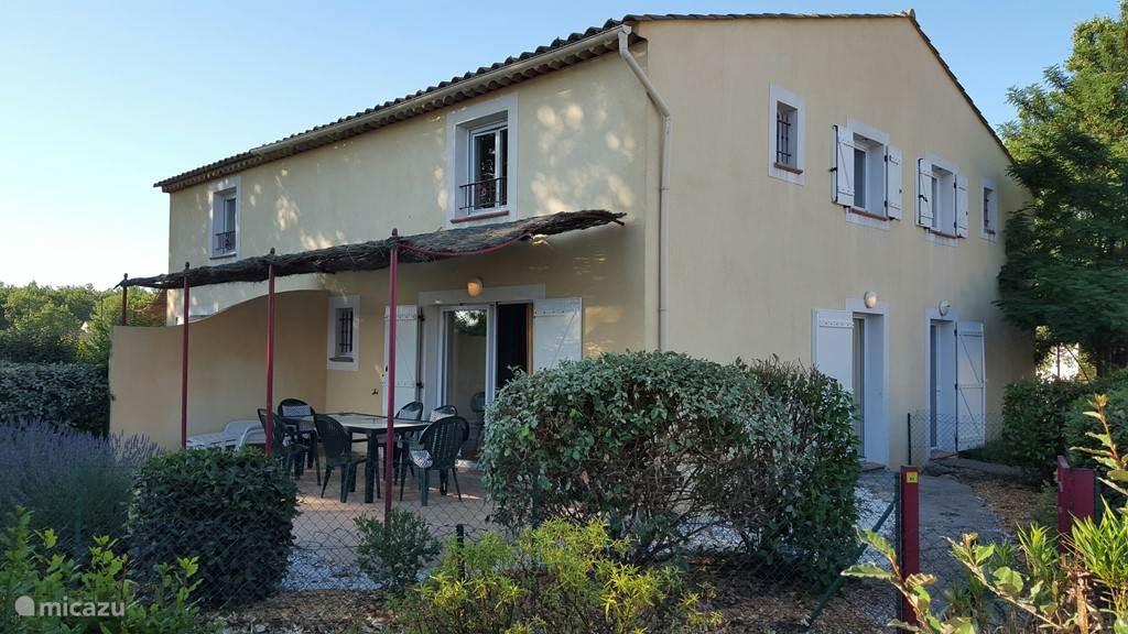 67 m2 woonoppervlakte met 20 m2 terras en 100 m2 prive tuin