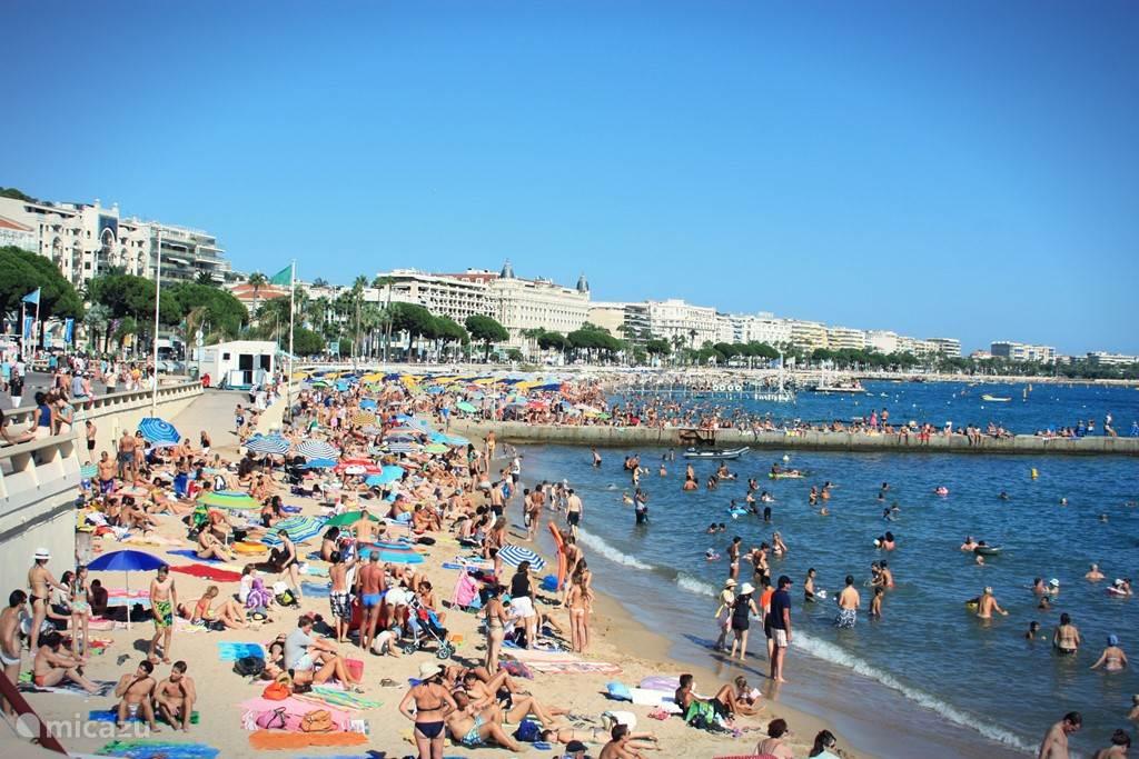 Cannes is 25 minuten met auto