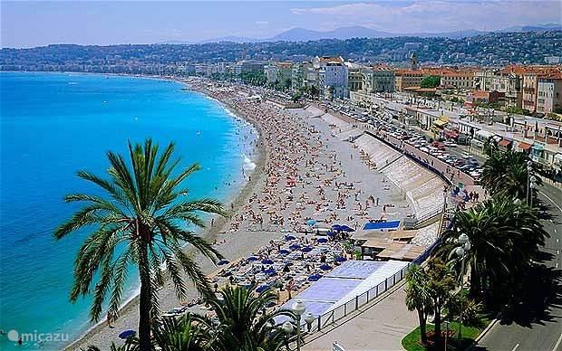Nice luchthaven is 45 minuten en Promenade de Anglais in Nice is 50 minuten rijafstand
