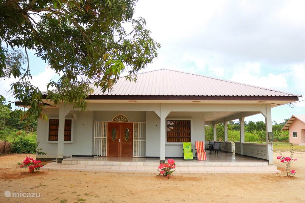 Vacation rental Suriname – holiday house Rose