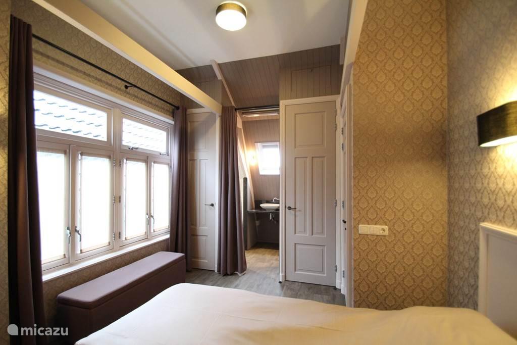 Elke slaapkamer heeft een eigen badkamer