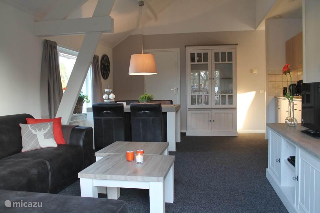 Appartement 3 / 1ste verdieping. Per trap bereikbaar. Bij een boeking reserveert u appartement 3. Wenst u een ander appartement, kijk dan even op onze site.