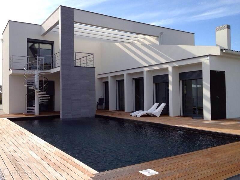 Huis met eigen zwembad en terras (veel privacy).