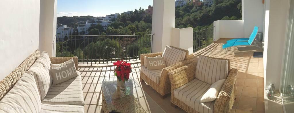 Lekker op het balkon