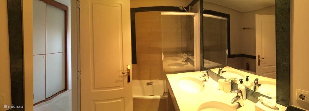 badkamer met alle gemakken