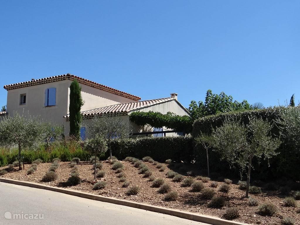 Vacation rental France, Provence, Nans-les-Pins Villa Jardin du Golf 44 with pool