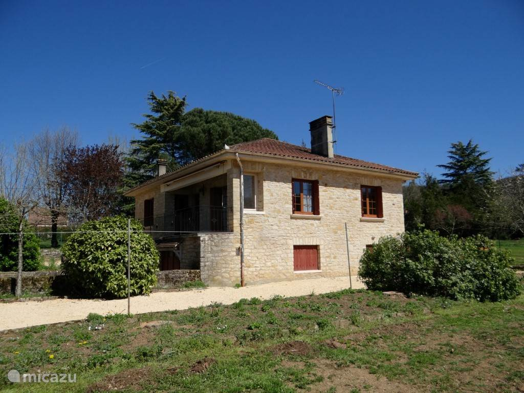 Vacation rental France, Auvergne, Vézac villa Beau Repos