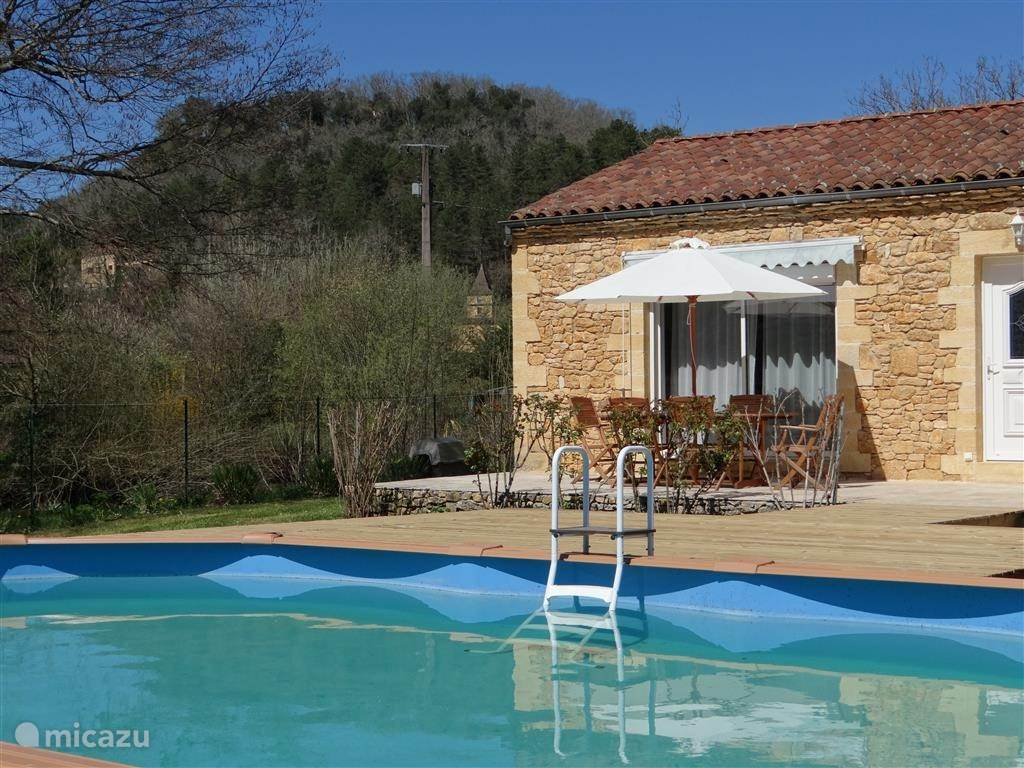 Vacation rental France, Auvergne, Vézac villa Pradelle