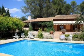 Vanwege annulering plotseling nog beschikbaar van 21 april tot en met 29 april voor € 1000,-. Heerlijk vakantiehuis voorzien van zwembad, wifi etc.