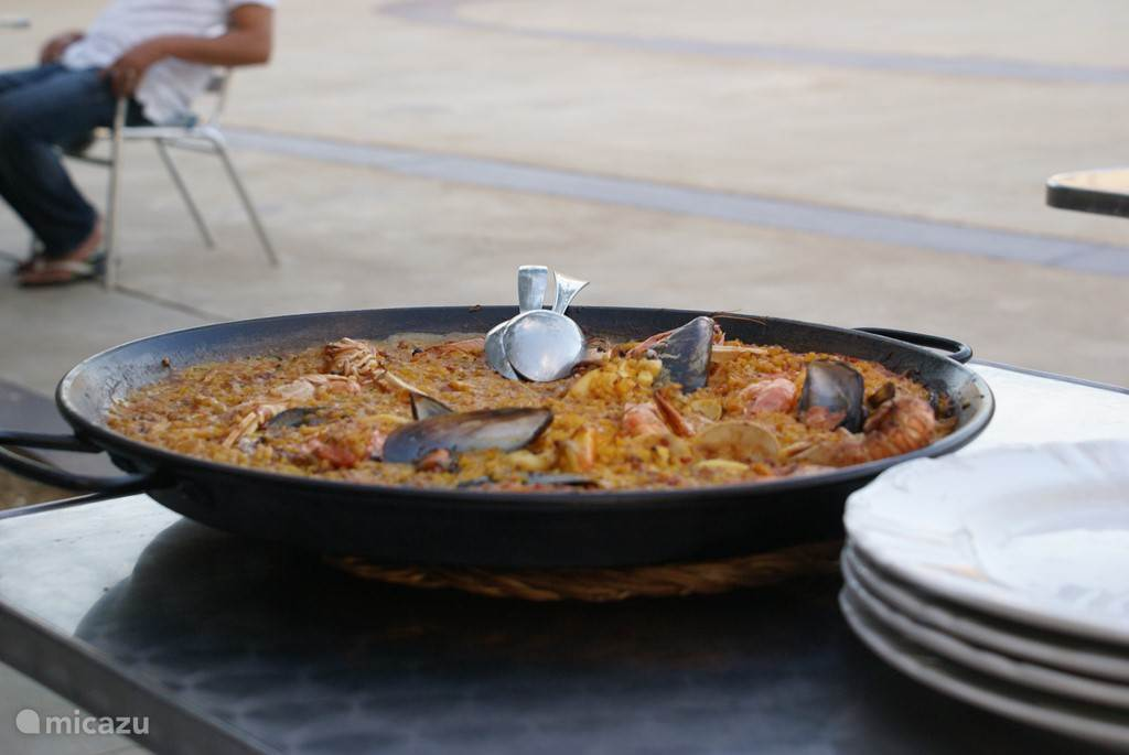 Paella eten.