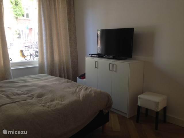 slaapkamer met tv