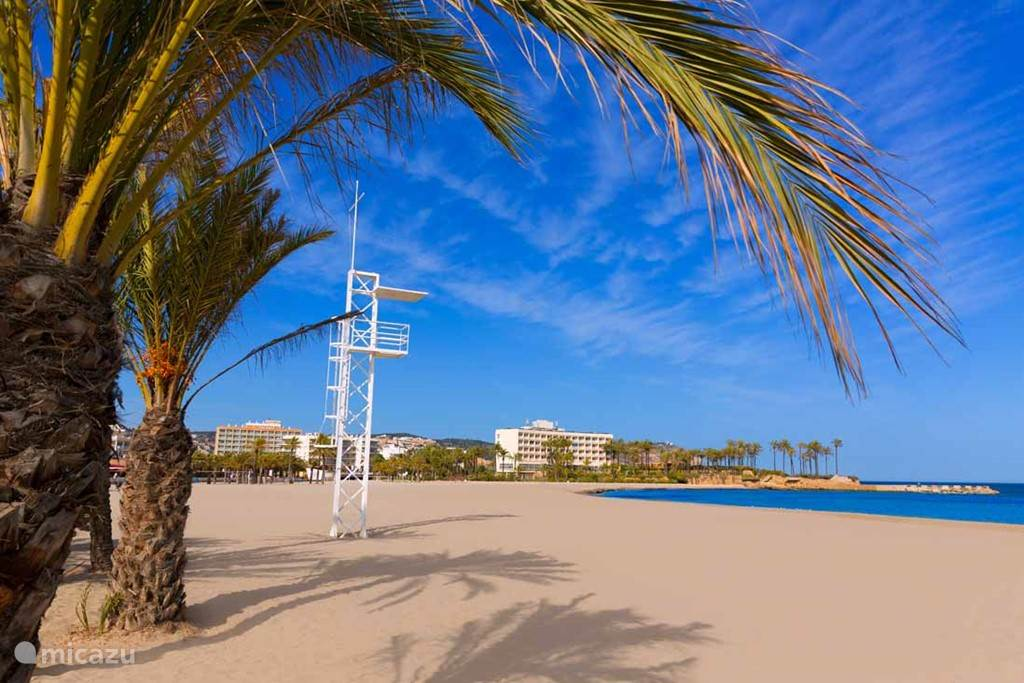 Arenal Beach 01
