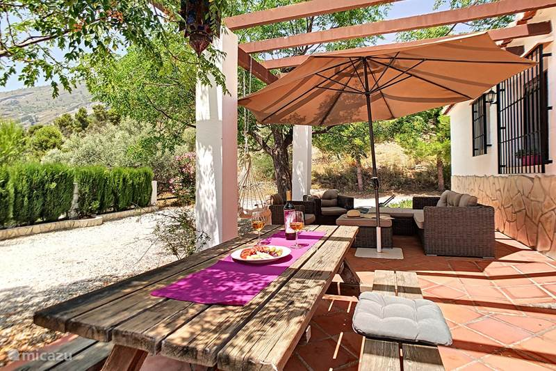 Vakantiehuis Spanje, Andalusië, Canillas de Aceituno Vakantiehuis Casa Lobera Buganvilla