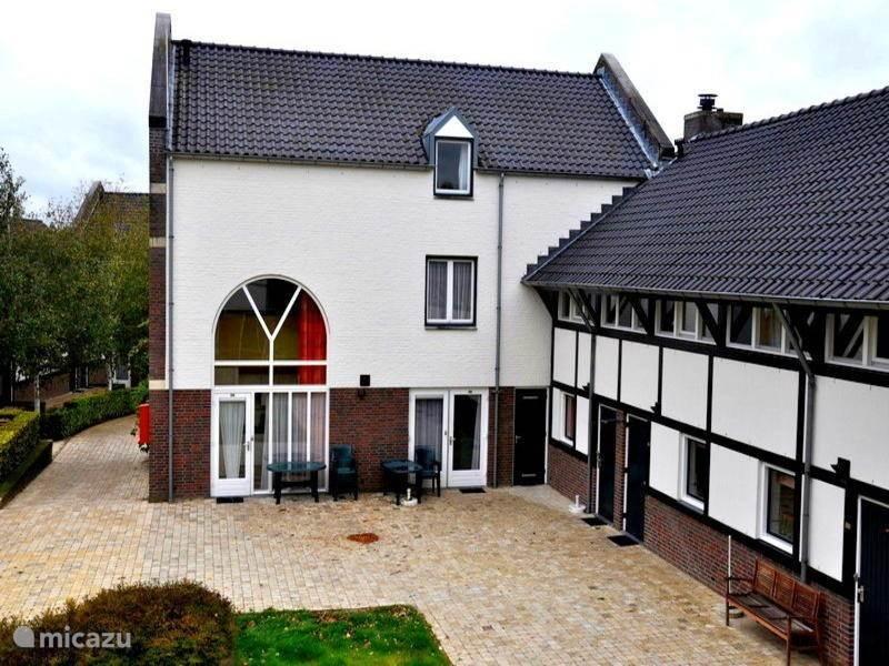 Speeltuin, Nederland, Limburg, Mechelen, vakantiehuis Limburgs Vakwerk Woning in Mechelen