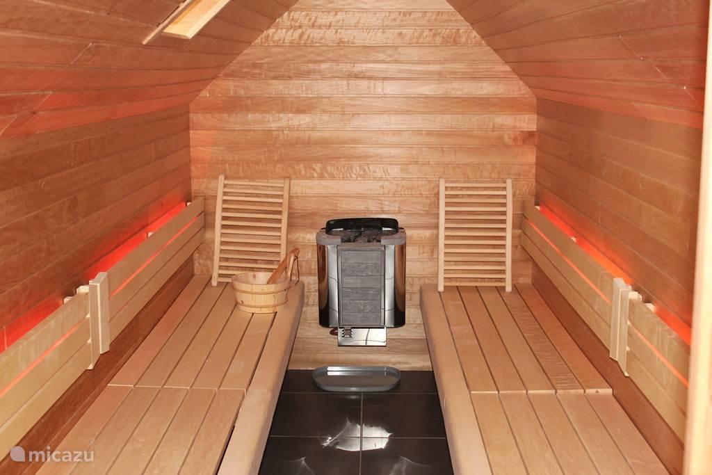 Sauna met ledverlichting - diverse kleuren instelbaar