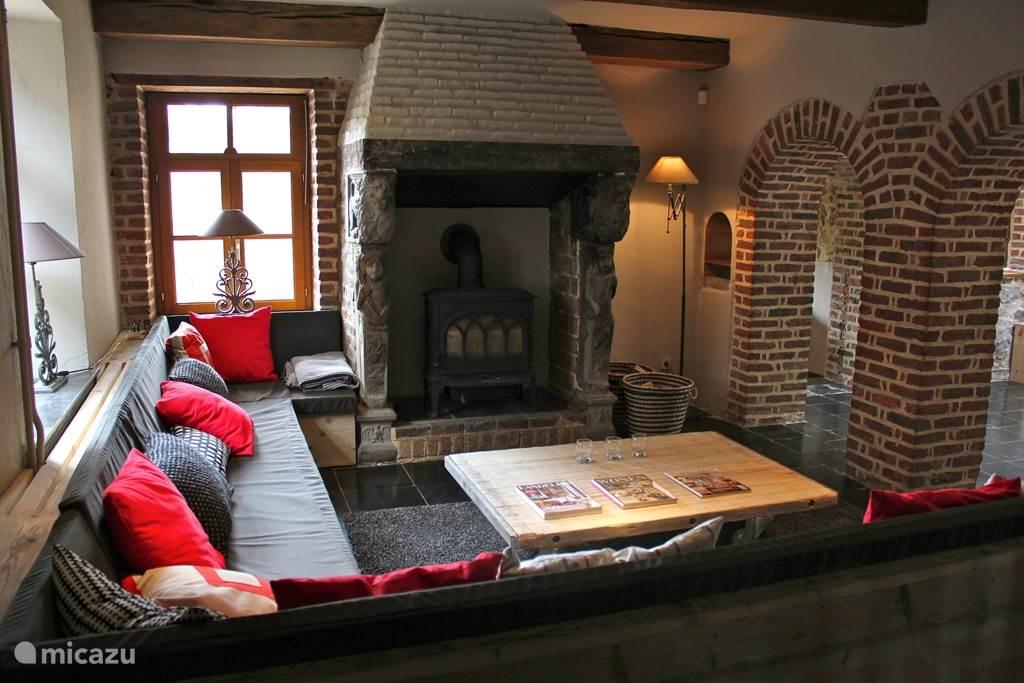Salon met houtkachel
