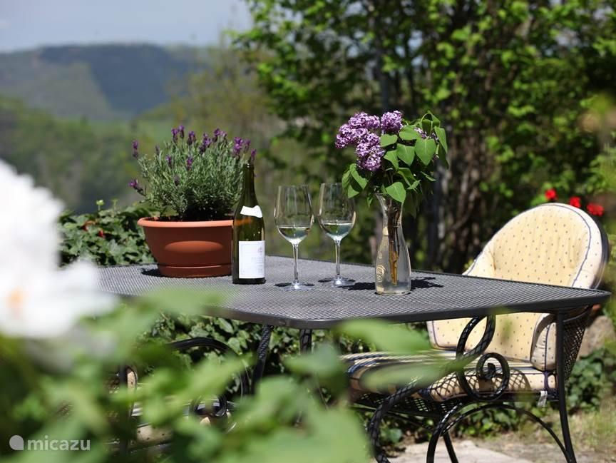 Vacation rental France, Aveyron, Golinhac Holiday house La Petite Maison