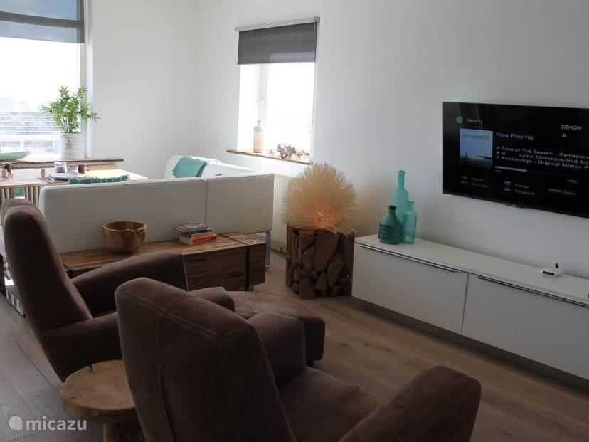 comfortabele stoelen om ontspannen tv te kijken