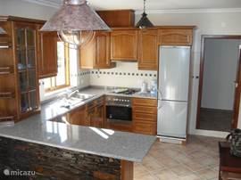 Open keuken met alle luxe voorzieningen.