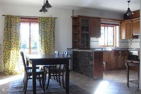 Vakantiehuis in vinho beiras portugal huren - Keuken berghuisje ...