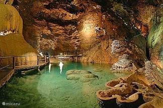 de grotten van Padirac ( de langste grotten van europa)