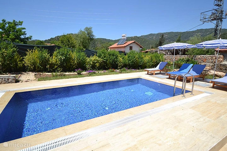 Huis karya met prive zwembad in fethiye lycische kust for Zwembad prive