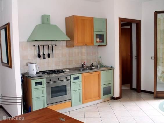 Woonkamer met keuken
