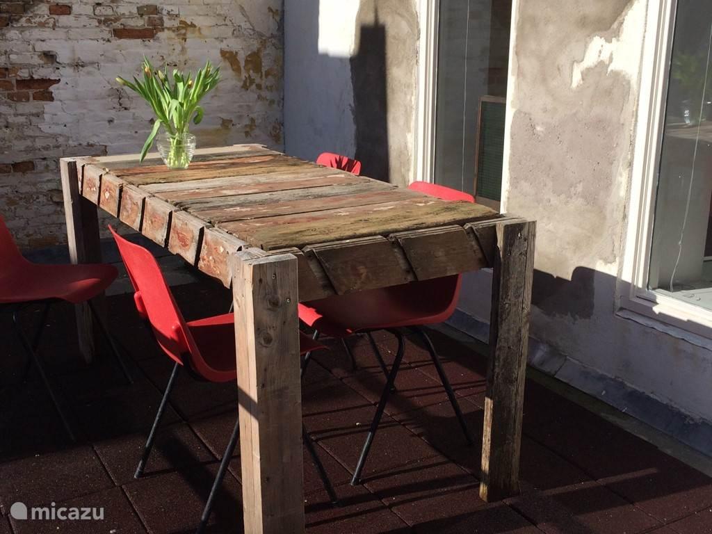 tafel op het dakterras