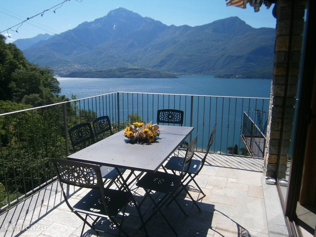 Vacation rental Italy, Lake Como, Gravedona apartment Casa Arianna