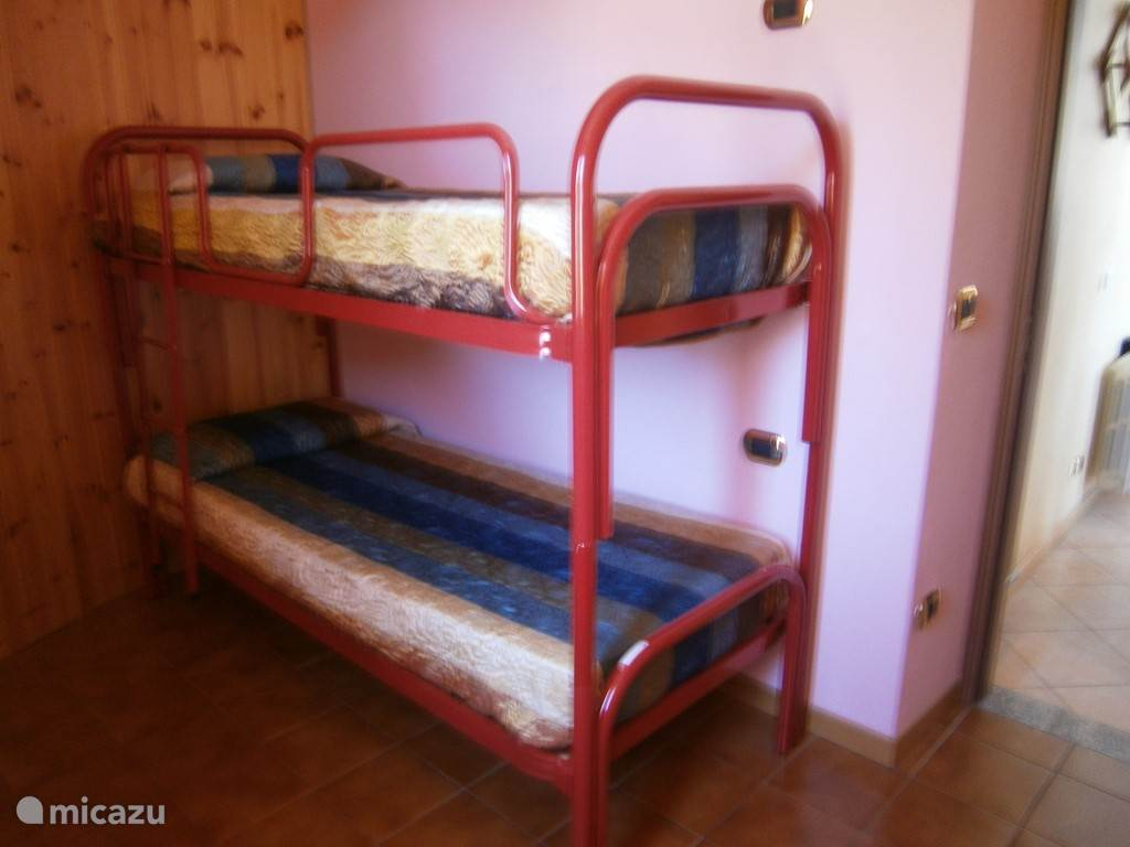 Small children;s room with bunk beds