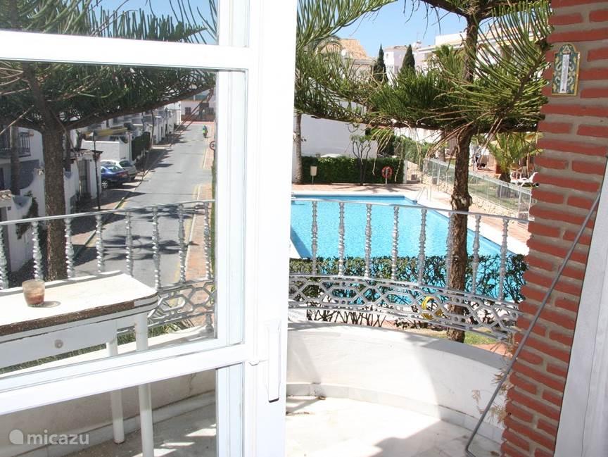 balkon + zwembad