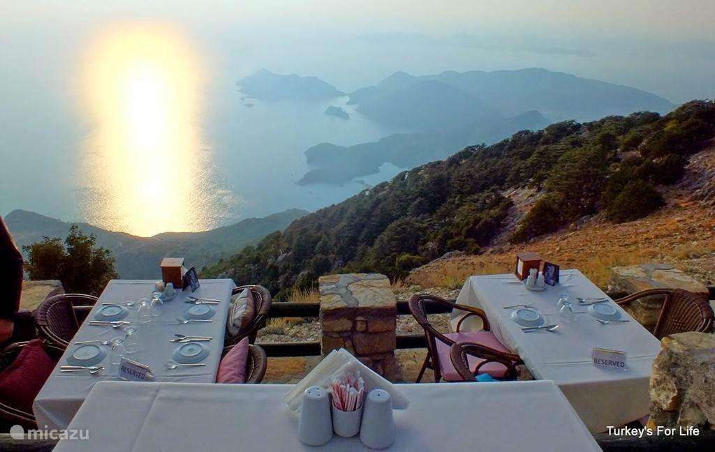 Restaurant Zirve Babadag op 1700 meter hoogte