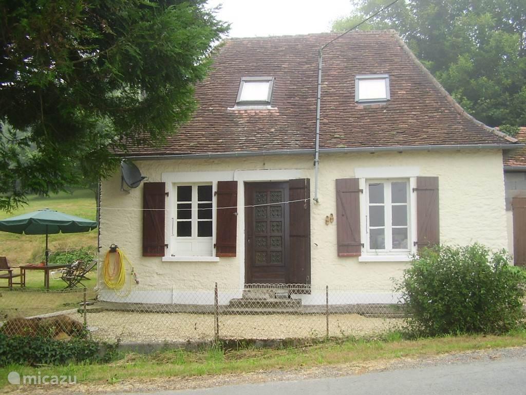 Vacation rental France, Dordogne, Payzac  Gîte / Cottage La Petite Maison