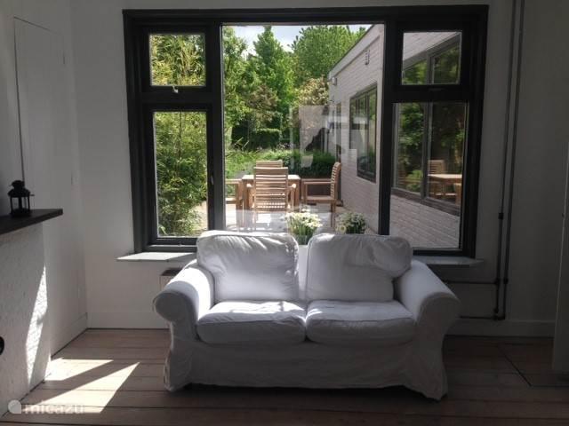 extra zitbank in de zon