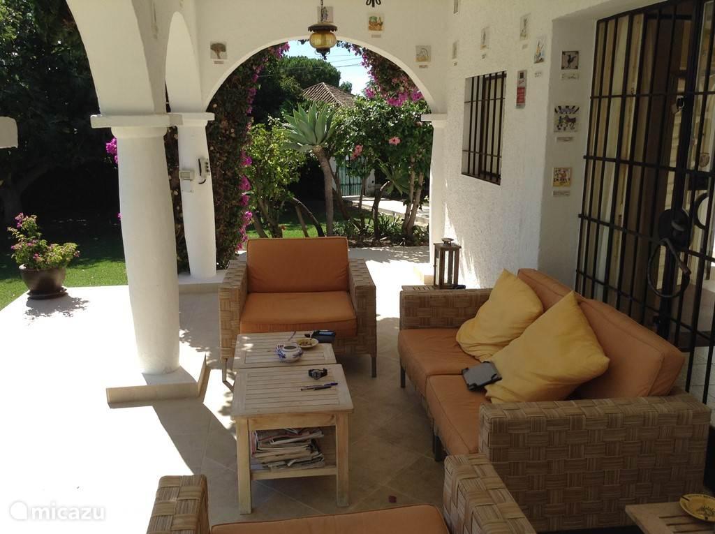 terras onder de patio