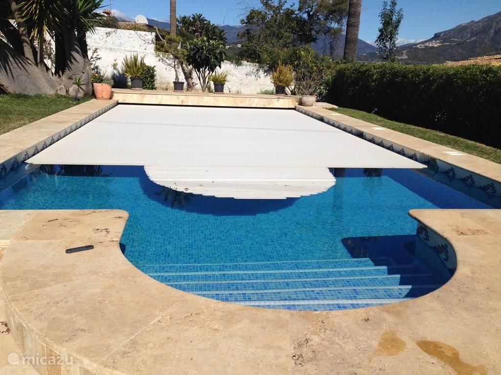 Het zwembad heeft verwarming