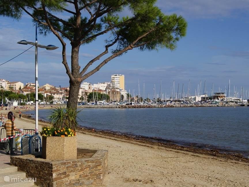 Strand en boulevard in Sainte-Maxime