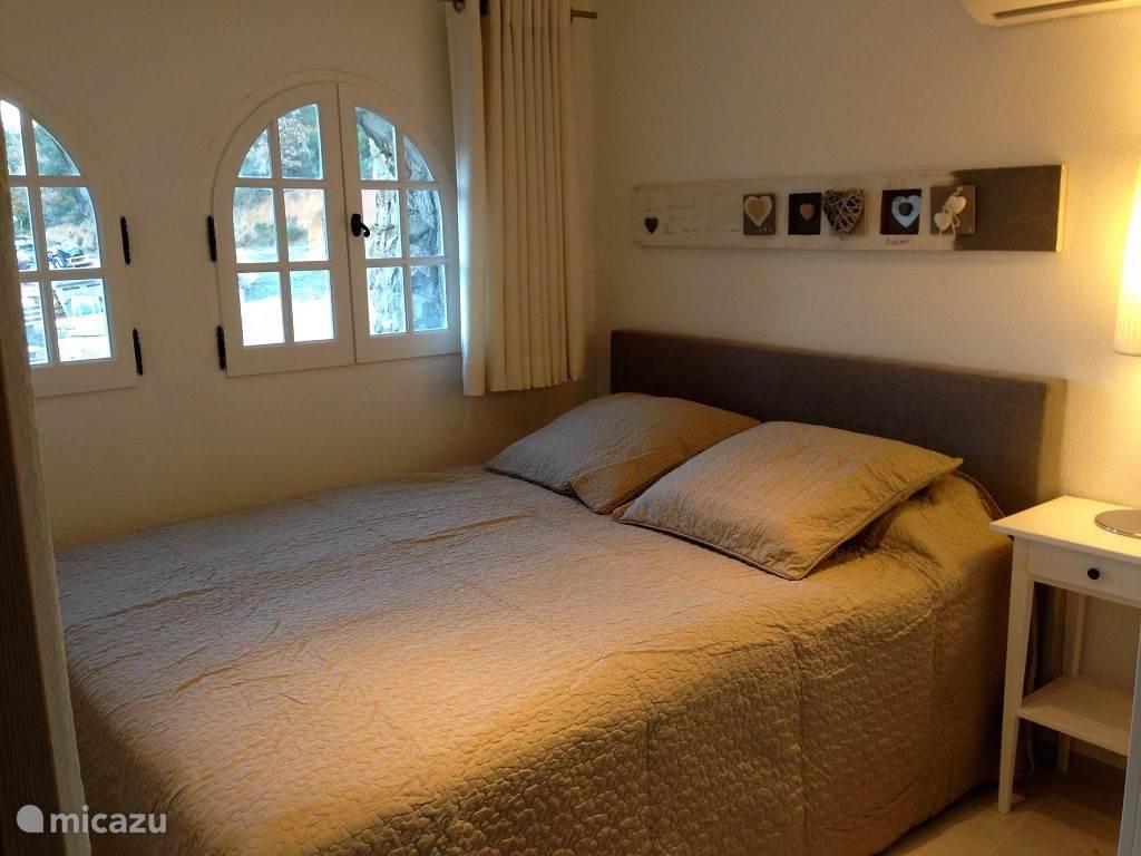 Slaapkamer met double bed