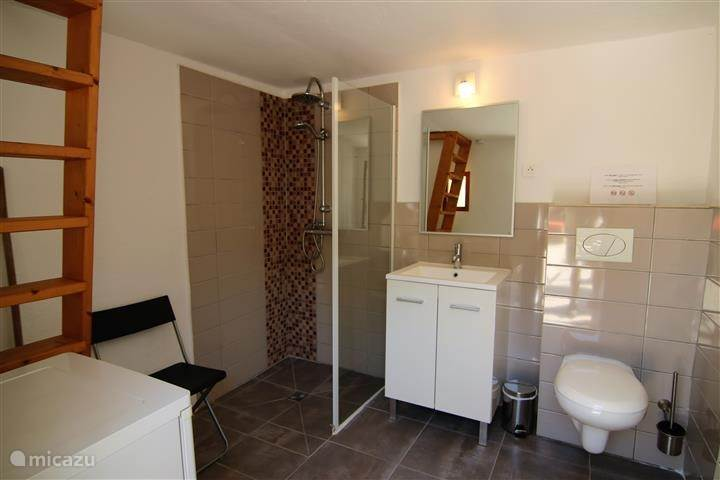 Bathroom and toilet in summerhouse