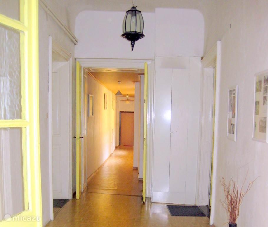 Entree corridor