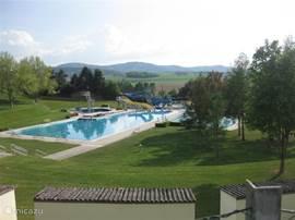 Mooi-gelegen zwembad in Melk op 5 km afstand