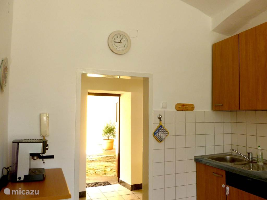 Keuken met courtyard toegang
