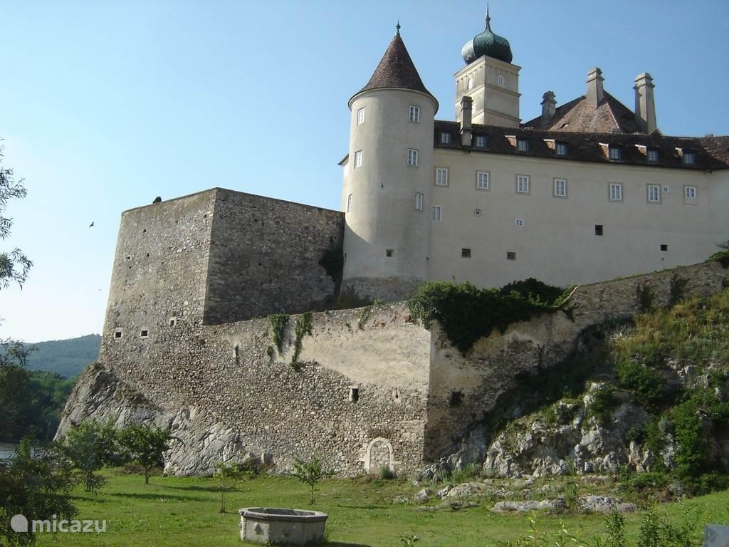 Donau- Wachau met wijngaarden, burchten en middeleeuwse dorpjes