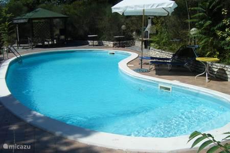 Vakantiehuis in umbri itali huren - Italiaanse douchegel ...