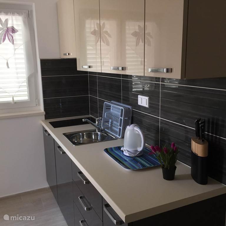 Voorbeeld van een prachtige keuken in apartmani BonBon