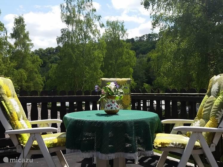 Het balkon met barbecue, voor u alleen