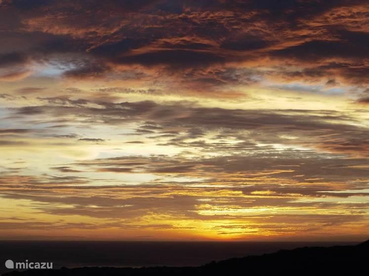 En elke avond afsluiten met een fantastische zonsondergang.